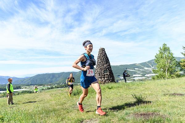 runner on Skyline Trail