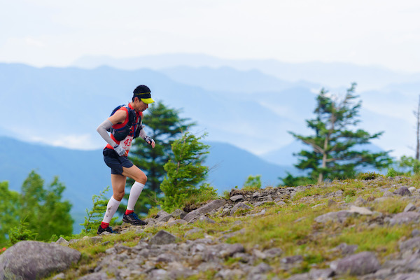 runner on utsukushigahara trail