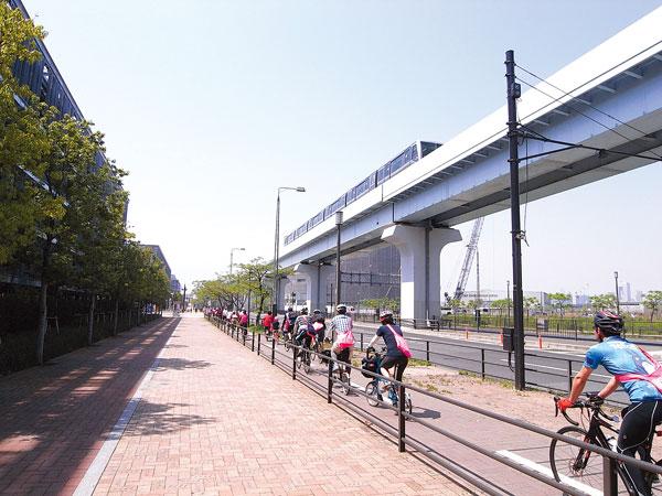 Cyclists riding in Odaiba, Tokyo