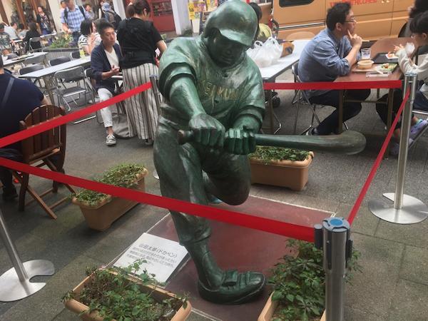 Baseball statue in Niigata