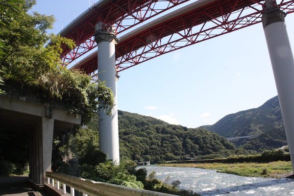 Ashigara Long Ride 2 - magnificent views of a bridge