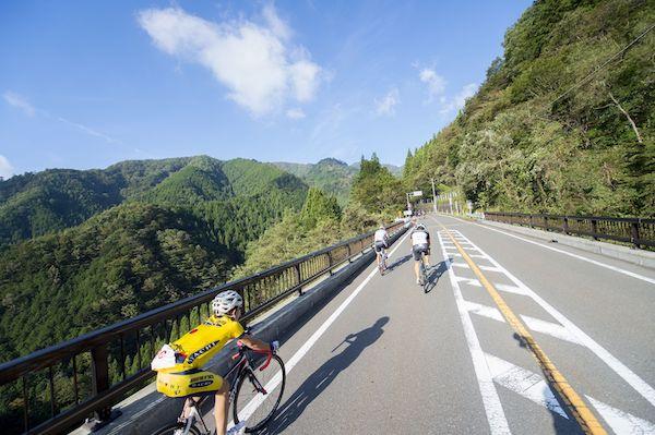 cyclist during tokyo hillclimb series - hinohara stage