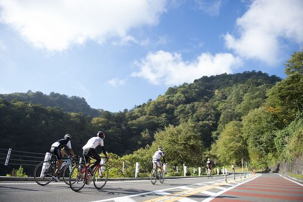 cyclist during tokyo hillclimb series - hinohara stage