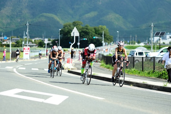 Kyoto Tamba Triathlon participants cycling