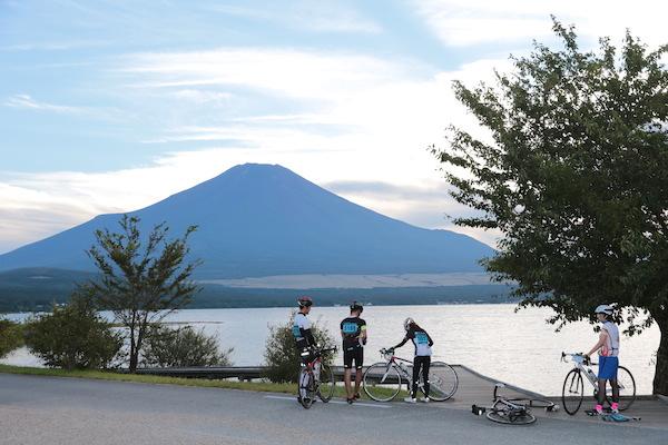 cyclist resting during Mt. Fuji 360
