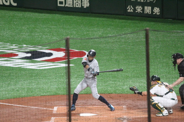 Ichiro swinging at a ball