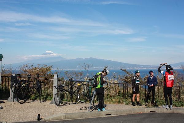 Izu ichi cyclist at look out
