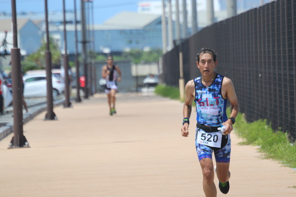 runner during Okinawa International Triathlon