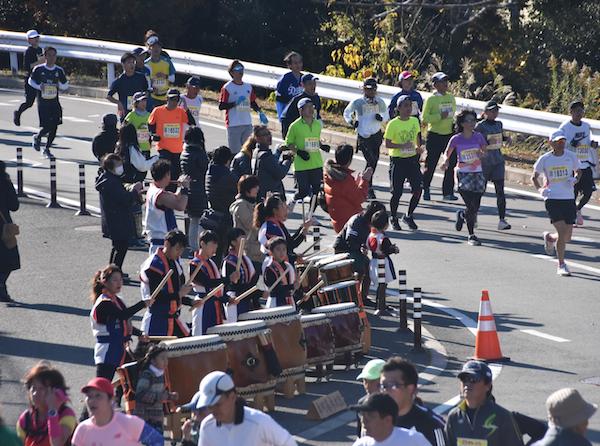 Supporters at Oise-san Marathon