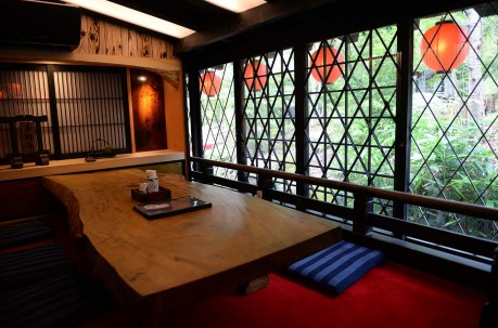 Irori Sanzoku table for 6 at Shimane Prefecture