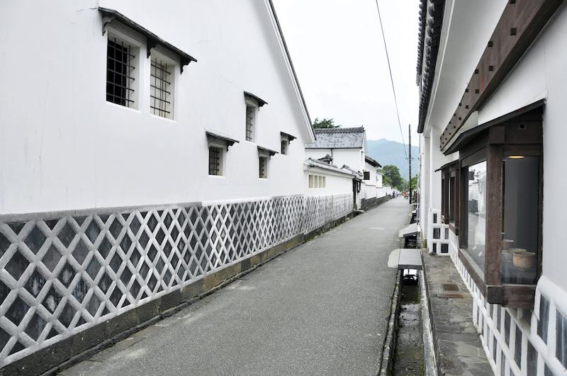 hagi castle town sidewalk