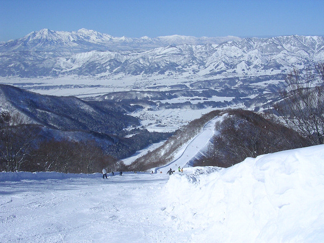 Nozawa Onsen ski slopes (source: Wiki)