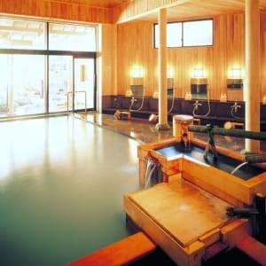 Ryokan Sakaya public bath onsen (source: Ryokan Sakaya)