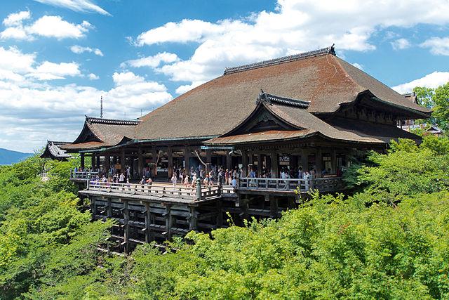 Kiyomizu Temple outdoor viewing platform (Kyoto)