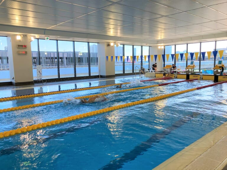 ASICS Pool 1