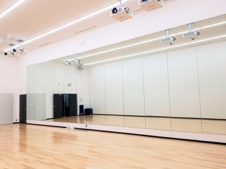 ASICS Studio 2